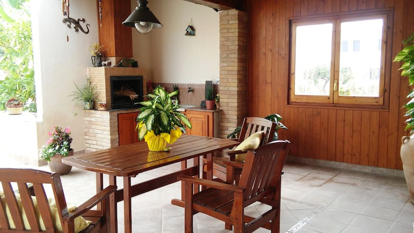 NICE AND COZY HOUSE CLOSE TO THE EBRO RIVER! - Deltebre - Dom