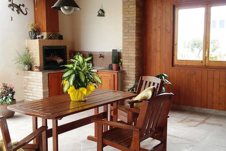 NICE AND COZY HOUSE CLOSE TO THE EBRO RIVER! - Deltebre