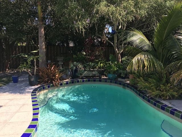 Private Siesta Beach House Oasis with Heated Pool.