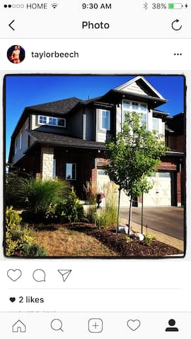 Super Clean with Many Special Features - Guelph - Casa