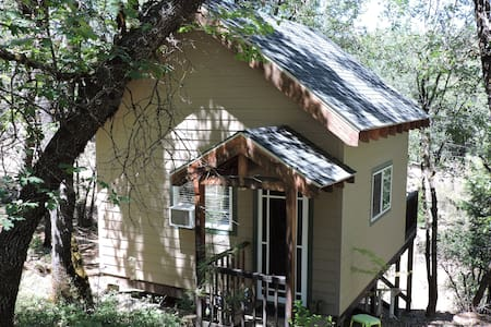 Adorable Cabin in Country Setting - Grass Valley