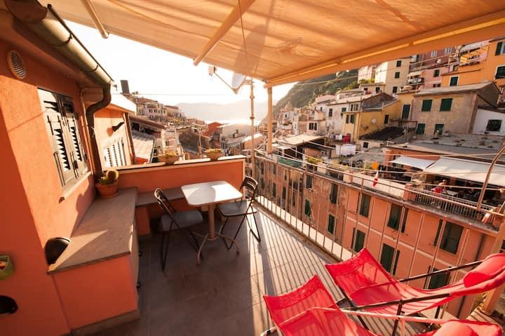 TAGIA, app. con balcone e cucina CITR: 0110030