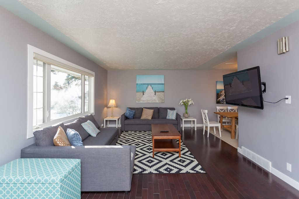 """""""Tai's home was perfect for our stay in Calgary. The home itself was located in a quiet neighborhood not far from downtown. The rooms were spacious, clean, and fresh. """" Nadine, February 2017"""