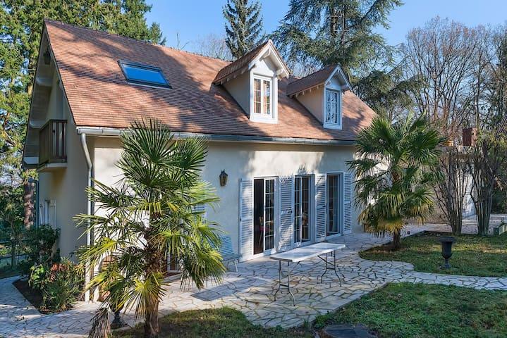 Maison du Sanglier bleu