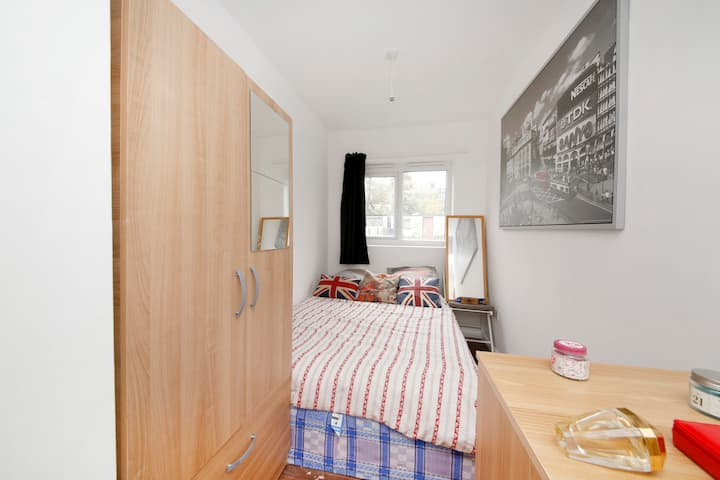 NICE ENSUITE DOUBLE ROOM WITH DOUBLE BED