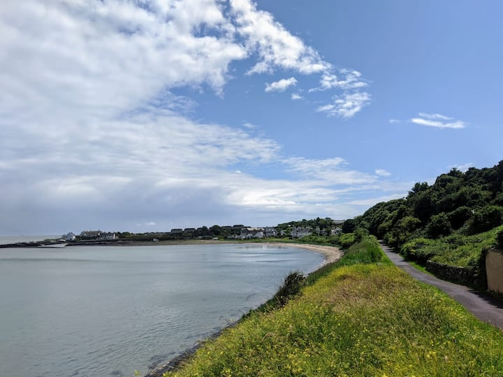Cosy Coastal Apartment - Quirky Scottish Retreat