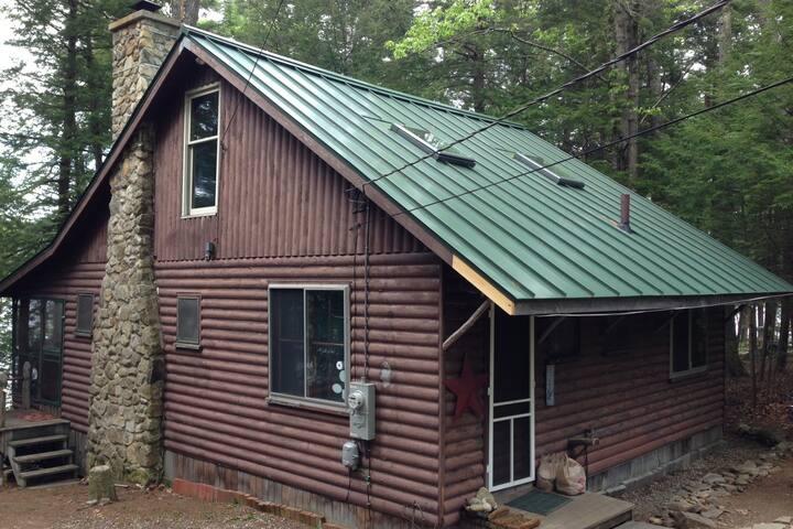 Maine Lakeside Living!