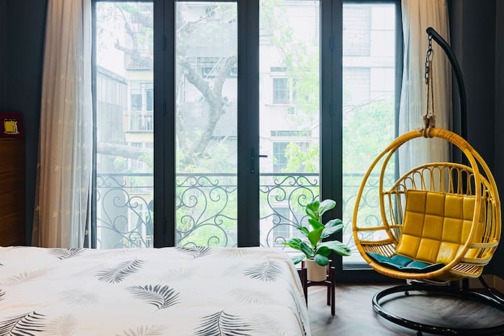 The Hanoi AVERY - a peaceful studio apartment