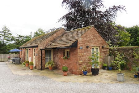 Woodpecker Cottage (Dog Friendly)