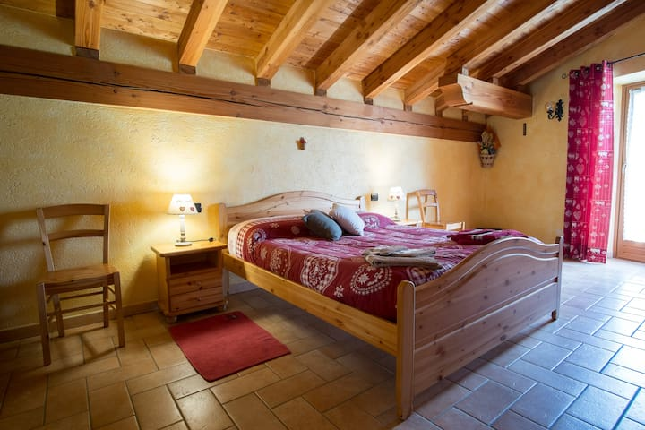 B&B Au Coin du Village - l'Abricot - Saint-Nicolas - Bed & Breakfast