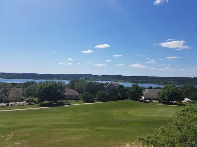 Enjoy Spring on Lake Travis - Point Venture - Rumah