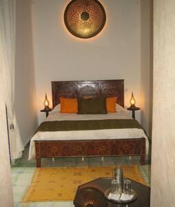 Chambre dans un Riad typique - Rabat