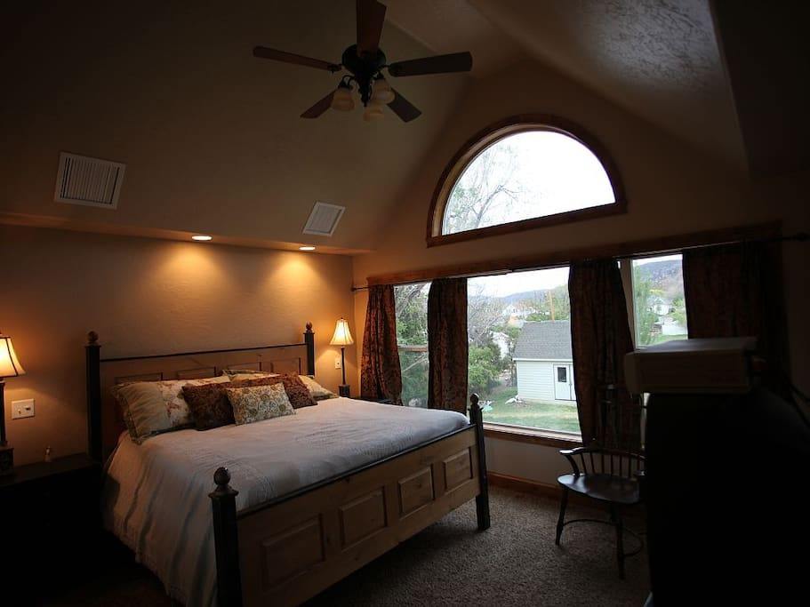 9 bedrooms total, this one overlooks Valentines peak, king size bed and tv with dish network
