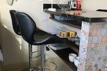 Bancada Sala/Cozinha com Utensílios