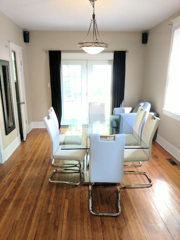 Comfy heritage home close to Queens and RMC