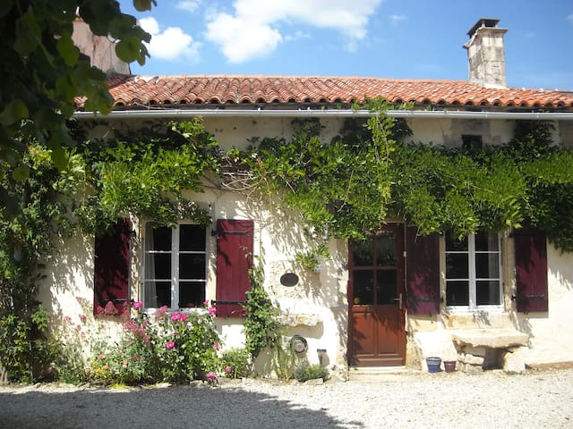 peaceful character cottage - la chapelle pouilloux - Overig