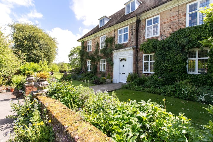 Stay charming annexe of 17C house