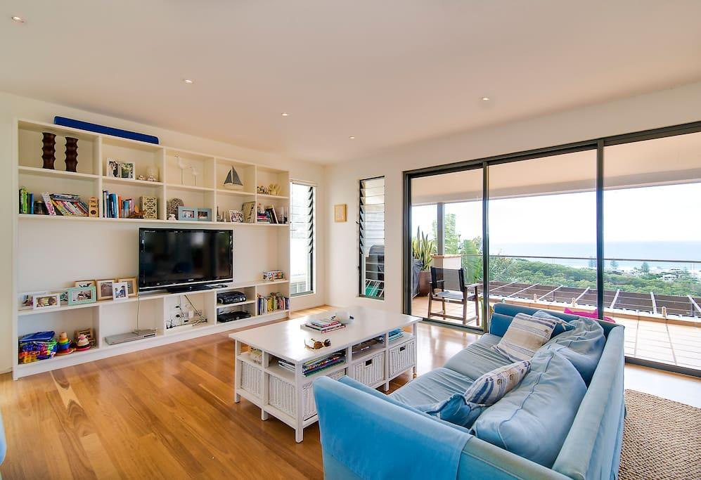 Lounge / TV area
