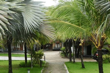 Tinggal Standard Pantai Ujung Genteng - Sukabumi - Гестхаус