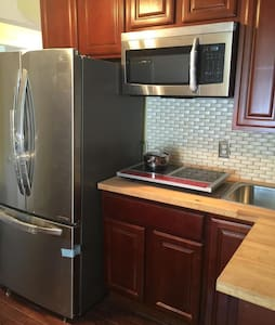 Attic Paradise Bedroom,Close To NYC - Newark - Departamento