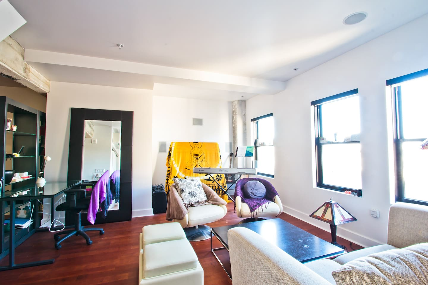 Cute Downtown Loft-PERFECT location
