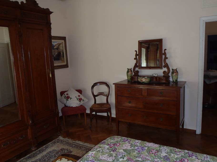 Nice double bedroom chambres d 39 h tes louer pistoia for Chambre d hotes nice