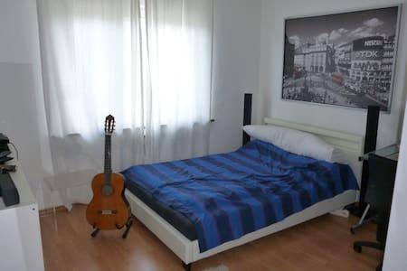 Zimmer in schönem Einfamilienhaus - Aachen