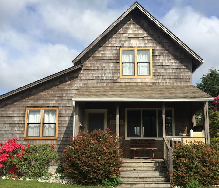 The Oysterville Guesthouse