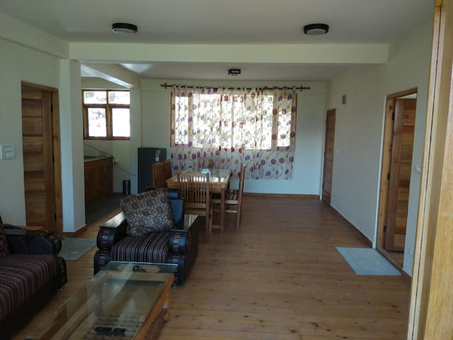 2bhk apt with gr8 view and peaceful location - Manali - Pensione