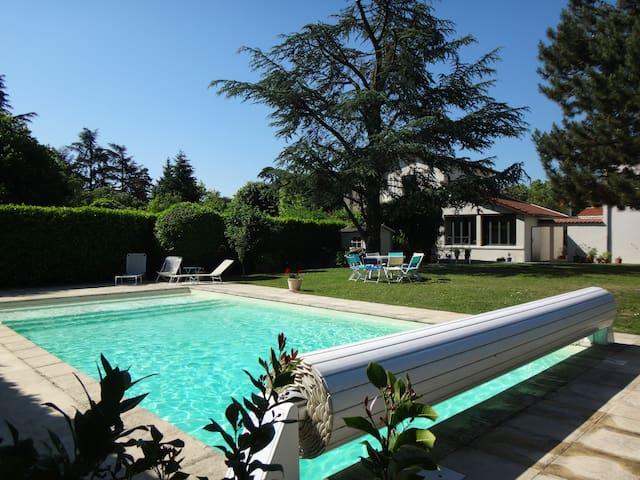 Charmante maisonnette près de Lyon - Tassin-la-Demi-Lune - Earth House