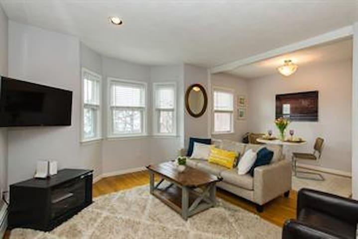 1.5 br / 1 ba in the heart of Charlestown - Boston - Lägenhet