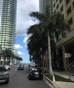 ENJOY BRICKELL AT IT'S BEST - Miami - Leilighet