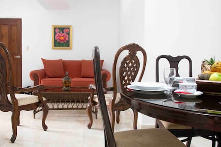 Cozy apartment just 4minutes walk from the Malecon