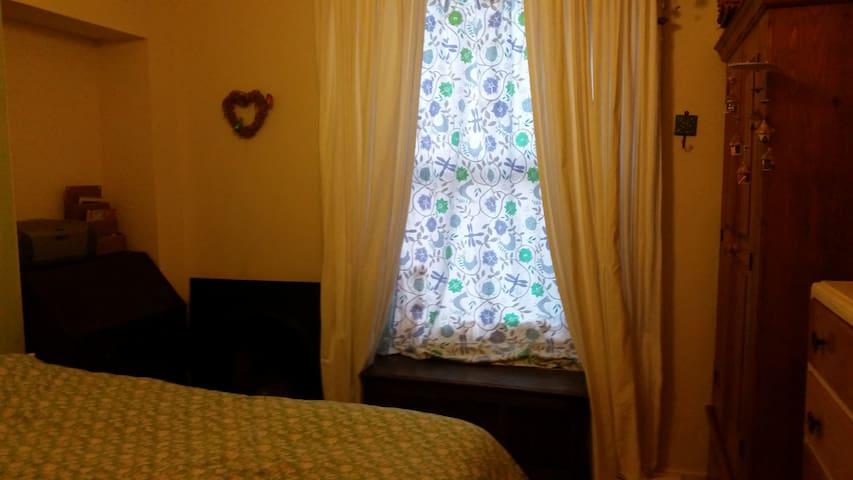 Lovely location & dbl room