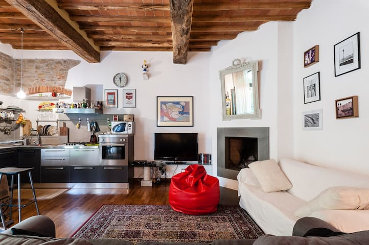 Pisa-Delizioso rustico di design - Molina di Quosa-rigoli - Casa