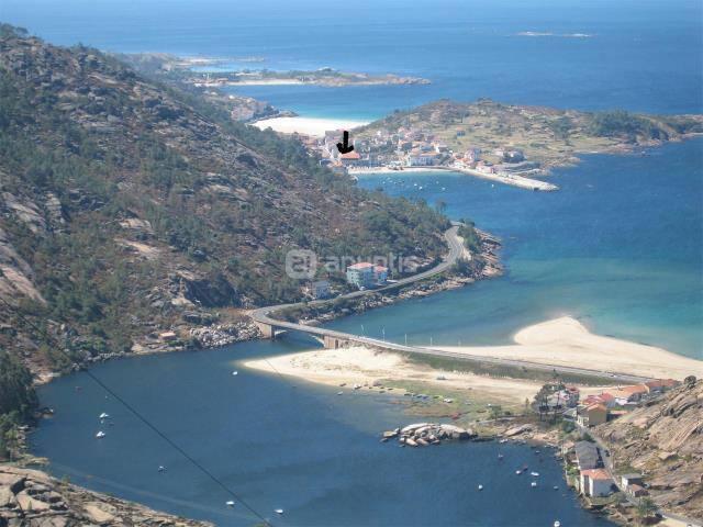 ATICO N EL PUERTO DE PINDO, CARNOTA
