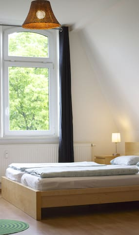 largest appartement in house - Erfurt - Bed & Breakfast