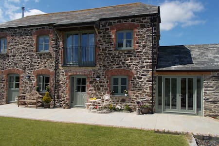 The Barn at Collacott - Two Rooms - Launceston - Bed & Breakfast