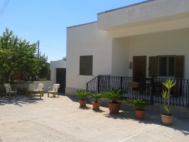Villa Fasola - cisternino - Dům