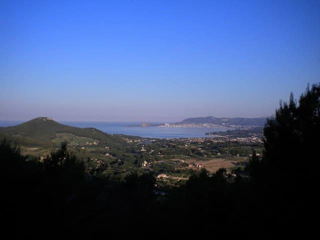 Sweeping views of the Mediterranean - La Cadière-d'Azur - Huis