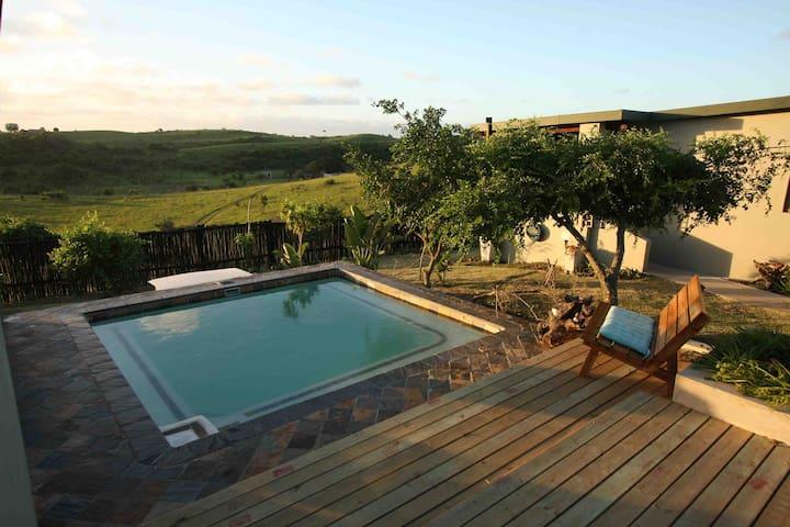 Open plan 2 sleeper blue cottage. - Sodwana Bay, Mbazwana - Apartament