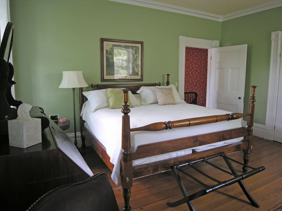 Warren Delano room (King-sized bed). Private bath, AC, Cable TV, wide-pine floors