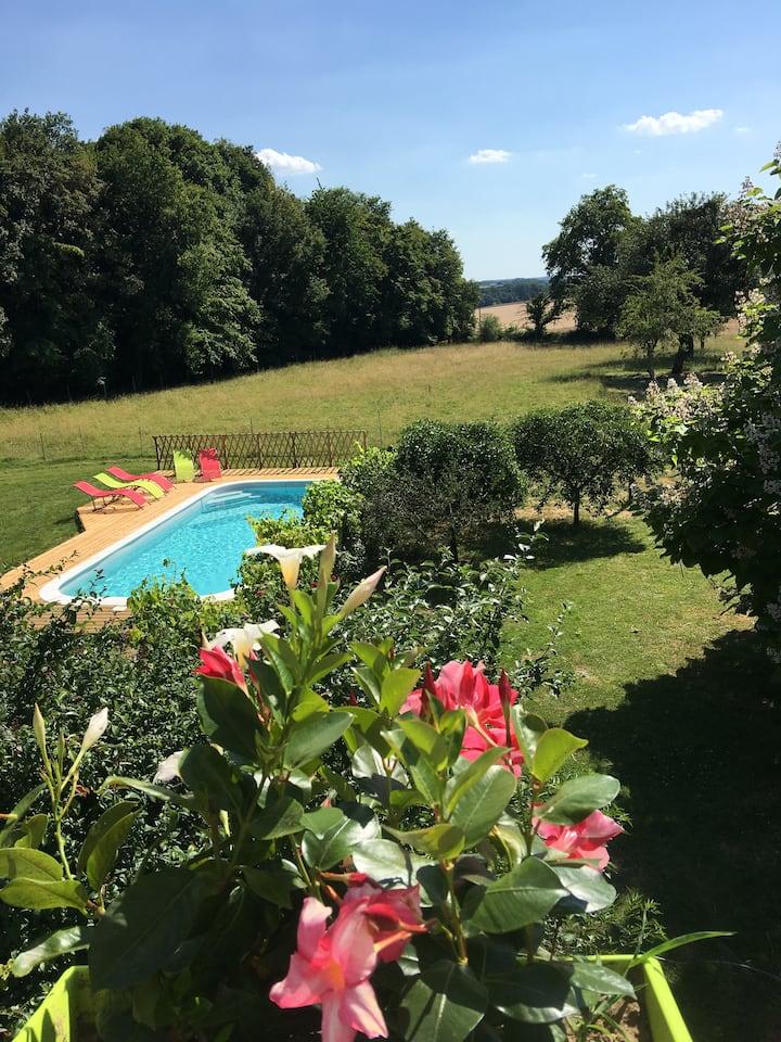 Le Plessis-Le Lierre : Farmhouse loft Apt. w/ pool