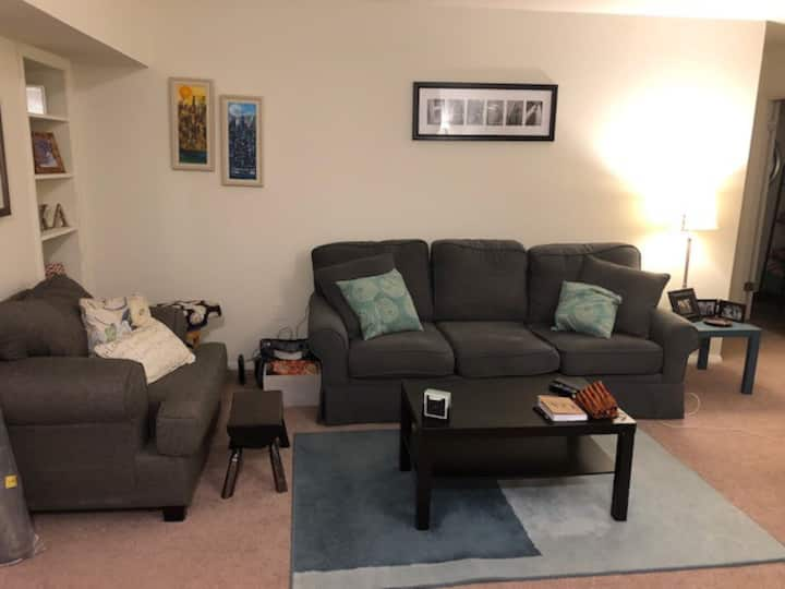State College 1 Bedroom Apartment- Up to 4 guests!