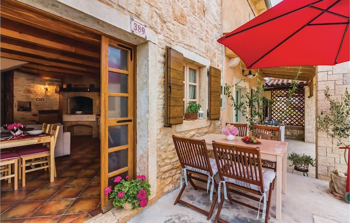 Semi-Detached with 2 bedrooms on 80m² in Marcana