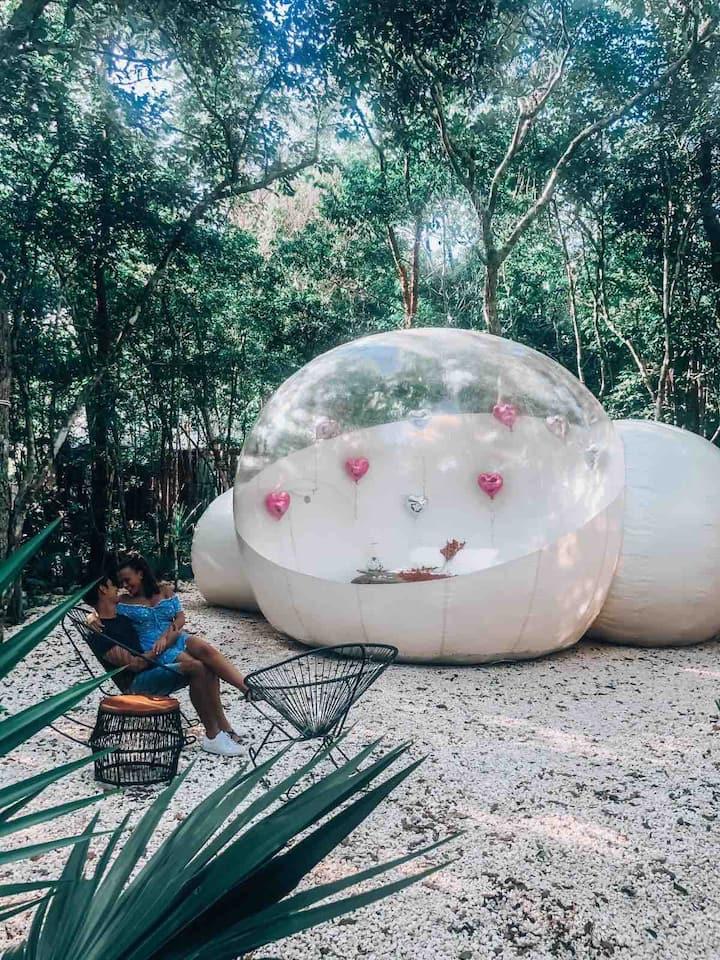 Romantic Jungle Bubble Tent with private Cenote!