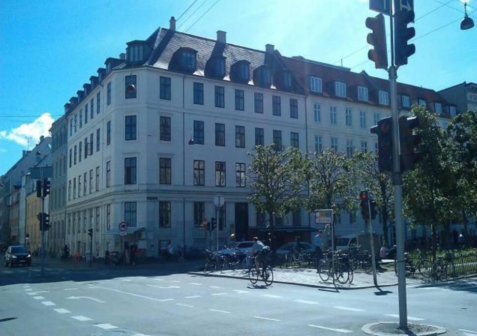 Apartment situated top floor below roof across the corner