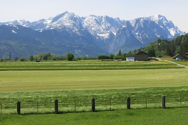 Ferienwohnung mit Alpenblick 1 - Farchant - Huis