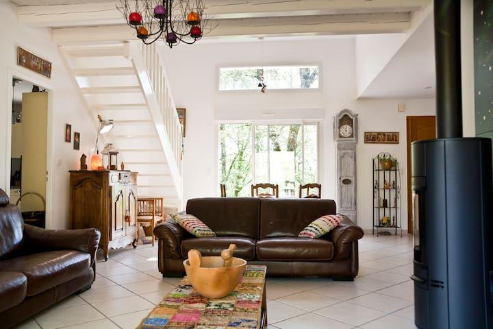 Les chambres de Sabine - Nuzéjouls - House
