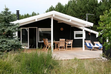 Wonderful and cosy house close to the beach - Sjællands Odde - 独立屋